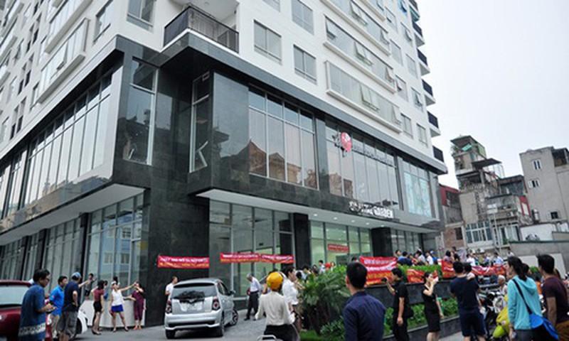 Tòa nhà Capital Garden tại ngõ 102 Trường Chinh chưa khắc phục xong 04/05 lỗi vi phạm PCCC. Ảnh: Nhadautu.