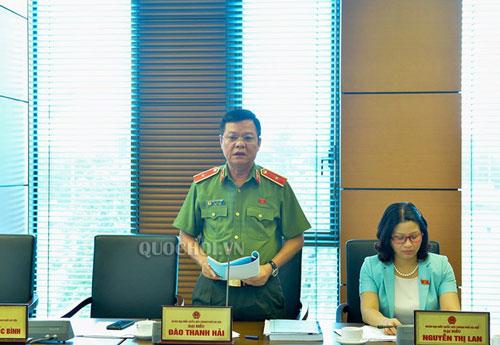 Công an TP. Hà Nội yêu cầu xuất ngũ với nữ Đại úy náo loạn sân bay