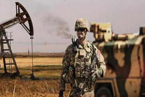 Binh sĩ Mỹ bảo vệ mỏ dầu tại Syria