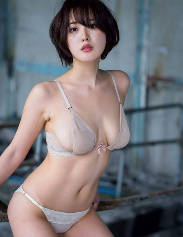 Sở hữu kho tàng ảnh sexy trên mạng, hot girl siêu vòng một của Nhật Bản bất ngờ trở nên nổi tiếng - Ảnh 2.
