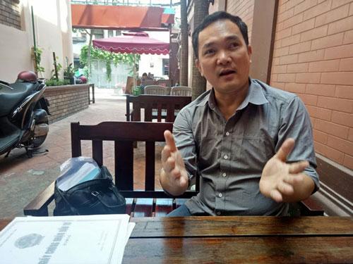 Ông Nguyễn Hoàng Hòa, đại diện Công ty TNHH Nguồn Á Châu, trình bày bức xúc với PV báo Doanh Nghiệp Việt Nam (ảnh TM)