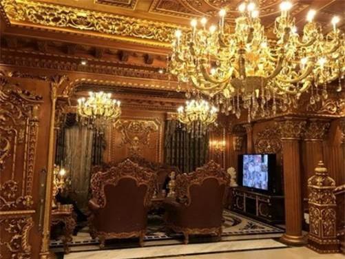 4 đại gia Việt giàu kếch xù, mạnh tay bỏ ra hàng trăm tỷ đồng xây biệt thự dát vàng-5