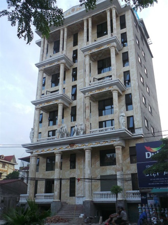 4 đại gia Việt giàu kếch xù, mạnh tay bỏ ra hàng trăm tỷ đồng xây biệt thự dát vàng-7