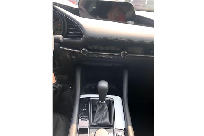 Can canh Mazda3 moi ban tieu chuan, ban ra 719 trieu dong-Hinh-7