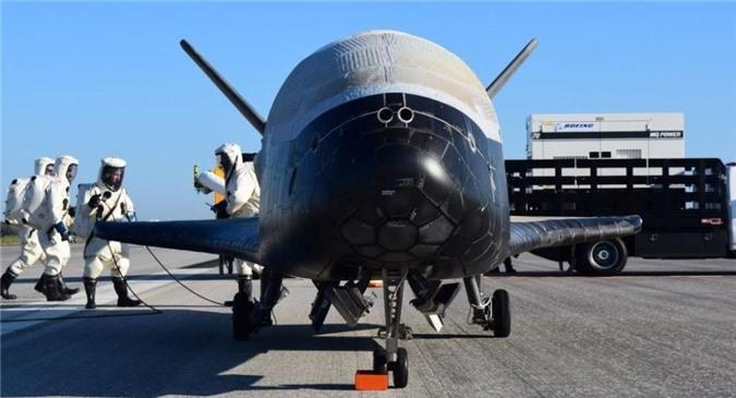 Khong quan My muon F-35 va F-22 bay duoc vao… vu tru?-Hinh-2