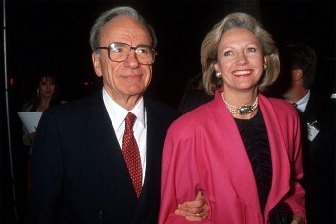 Tỷ phú Murdoch và người vợ thứ hai, Bà Anna Torv thời còn mặn nồng. Ảnh: IBT.