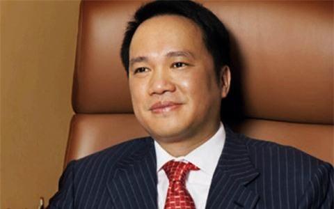 Ong Tran Dinh Long gap kho, choang dai gia Ho Hung Anh