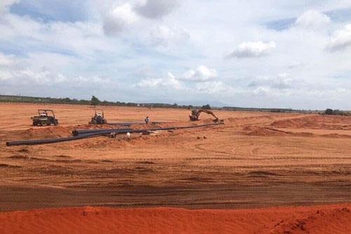 Dự án NovaWorld Phan Thiết có quy mô 1.000 ha của tập đoàn Novaland tại tỉnh Bình Thuận đang trong quá trình san lấp mặt bằng (Ảnh: MH)