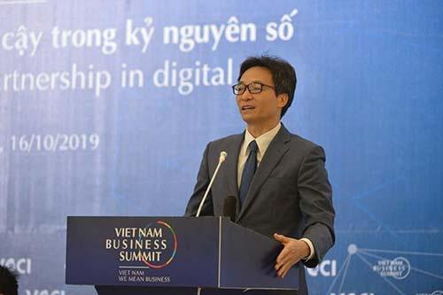 Phó Thủ tướng Vũ Đức Đam phát biểu tại phiên toàn thể đặc biệt VBS 2019. (Ảnh: DĐDN)