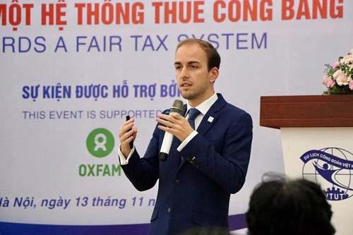 Ông Johan Langerock, Chuyên gia về chính sách thuế, Tổ chức Oxfam phát biểu tại Diễn đàn.