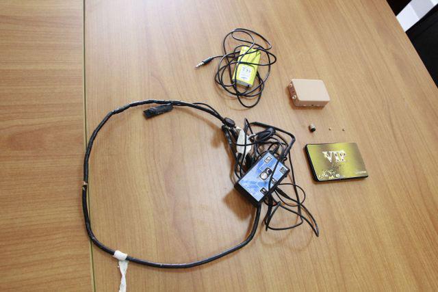 Một số thiết bị công nghệ cao sinh viên sử dụng trong gian lận bị phát hiện