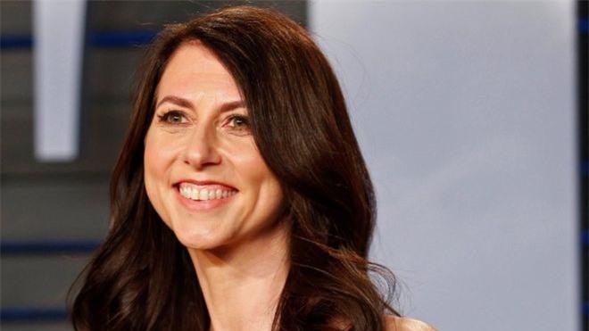 Top 7 phụ nữ giàu nhất thế giới-MacKenzie