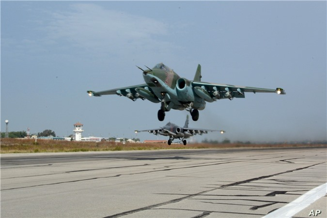 Su-25 san sang doi bom neu luc luong quan canh Nga bi tan cong-Hinh-12