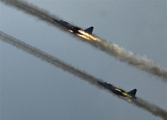 Su-25 san sang doi bom neu luc luong quan canh Nga bi tan cong-Hinh-13