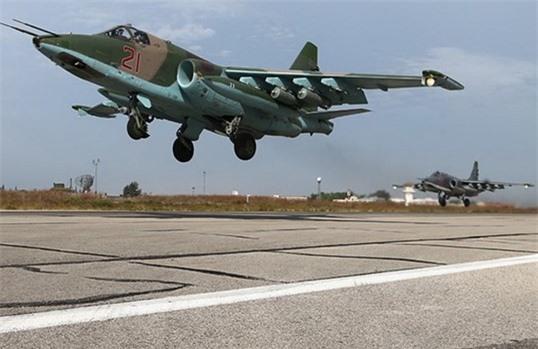 Su-25 san sang doi bom neu luc luong quan canh Nga bi tan cong-Hinh-14
