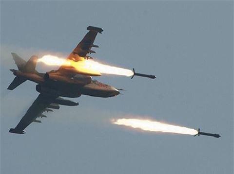 Su-25 san sang doi bom neu luc luong quan canh Nga bi tan cong-Hinh-17