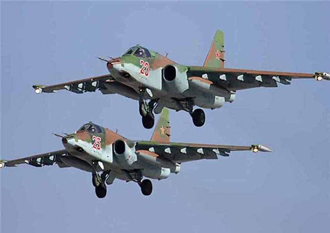 Su-25 san sang doi bom neu luc luong quan canh Nga bi tan cong-Hinh-3