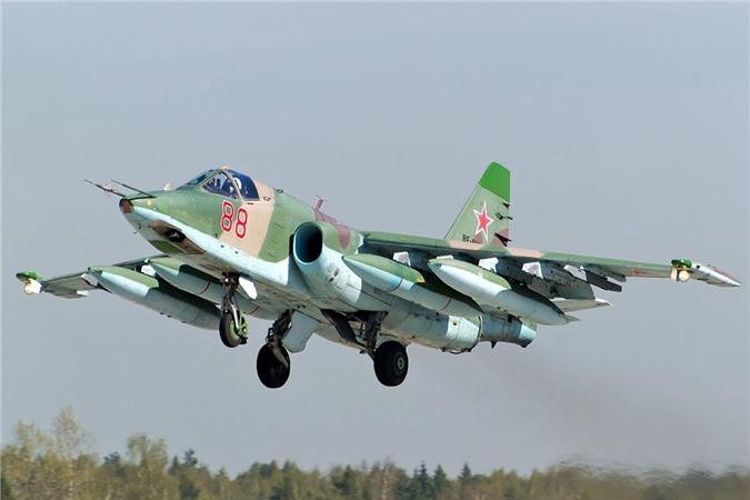 Su-25 san sang doi bom neu luc luong quan canh Nga bi tan cong-Hinh-6