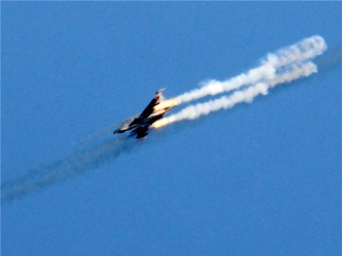 Su-25 san sang doi bom neu luc luong quan canh Nga bi tan cong-Hinh-8