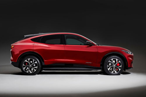 Đôi điều cần biết về Ford Mustang Mach-E 2021, giá hơn 1 tỷ đồng