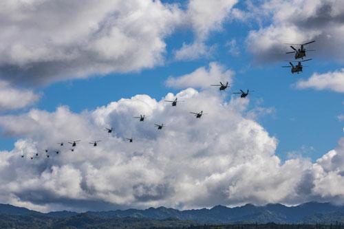 Lữ đoàn chiến đấu không kỵ số 25 của Lục quân Mỹ vừa có màn tập trận cực kỳ mãn nhãn với nhiều chục máy bay trực thăng để mô phỏng chiến thuật vận tải bằng trực thăng số lượng lớn. Nguồn ảnh: CAB25.