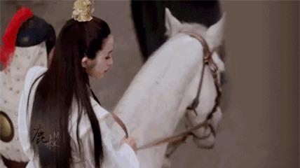 10 tường thành nhan sắc Hong Kong không thể lật đổ: Người khiến Lưu Đức Hoa si mê, Lê Tư và Vương Tổ Hiền thần thánh - Ảnh 43.