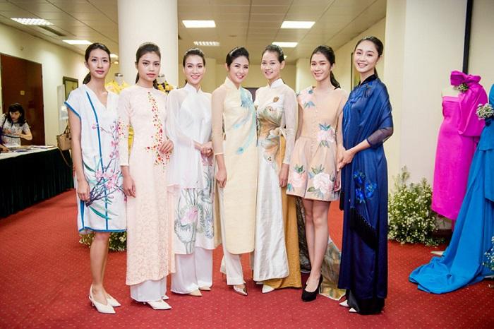 3.HH Ngọc Hân cùng dàn người mẫu trình diễn các thiết kế được làm từ chất liệu lụa Bảo Lộc