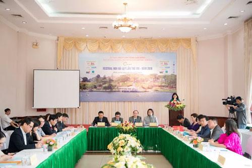 Toàn cảnh buổi họp báo sáng 22/11 tại Hà Nội.
