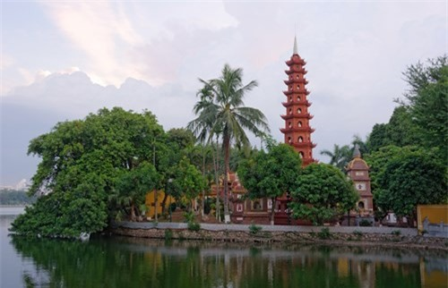 """Chua """"dep nhat the gioi"""" cua Ha Noi qua ong kinh Tay-Hinh-9"""