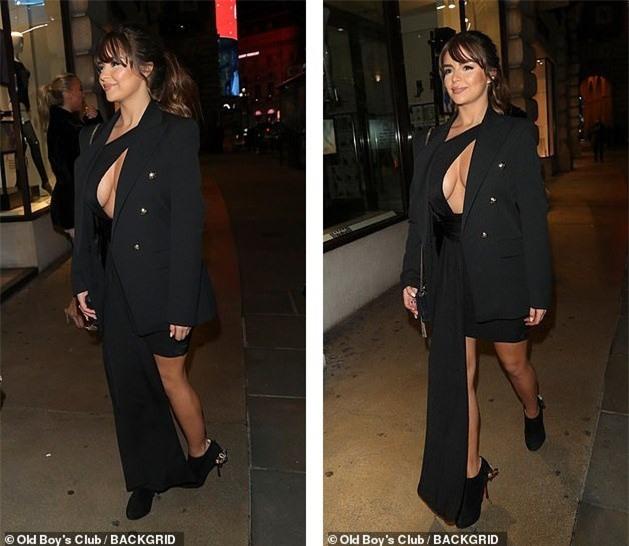 Demi Rose 'thả rông' xuống phố sau khi bị chê bai kỹ năng catwalk - ảnh 5