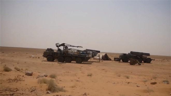 Houthi dung phao phan luc BM-27 na mua dan lam dong minh My khiep via-Hinh-11