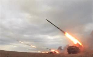 Houthi dung phao phan luc BM-27 na mua dan lam dong minh My khiep via-Hinh-4