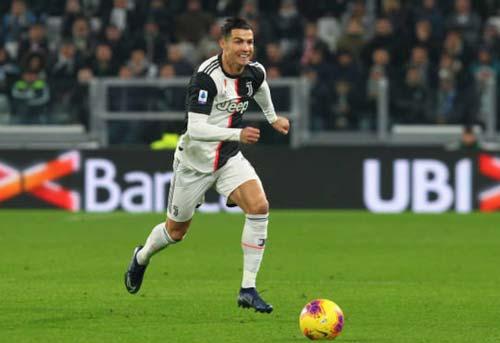 Ronaldo xin lỗi đồng đội tại Juventus. Ảnh: Getty.