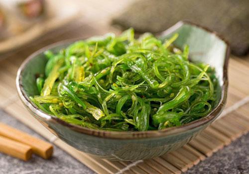 Hiện không có cơ sở khoa học nào cho thấy tảo biển có công dụng chữa bệnh ung thư. Ảnh: Medical News Today.