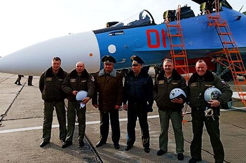 Bộ Quốc phòng Belarus cho biết, 2 chiếc tiêm kích Su-30SM đầu tiên trong tổng số 12 máy bay mà nước này đặt hàng tổ hợp Irkut chế tạo đã đến căn cứ không quân số 61 ở Baranovichy vào ngày 13/11.