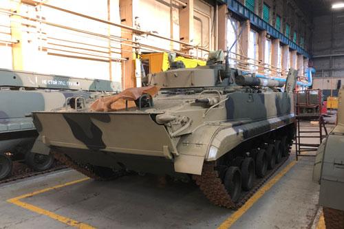 BMP-3 là dòng xe chiến đấu bộ binh được Liên Xô phát triển trong quá khứ nối tiếp sự thành công của dòng BMP-1 và BMP-2 tiền nhiệm. Hiện tại trên thị trường vũ khí, đây là một trong những loại xe chiến đấu bộ binh đắt hàng bậc nhất. Nguồn ành: Rumil.