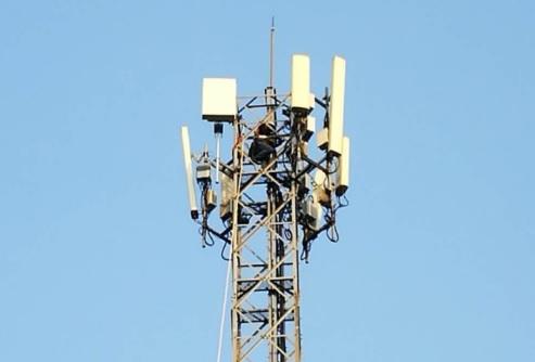 Các điểm trạm của mạng sử dụng giải pháp Massive MIMO băng tần kép LTE FDD tại Bangkok, Thái Lan.