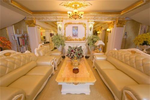Chiêm ngưỡng lâu đài dát vàng như cung điện của Lý Nhã Kỳ - Ảnh 2