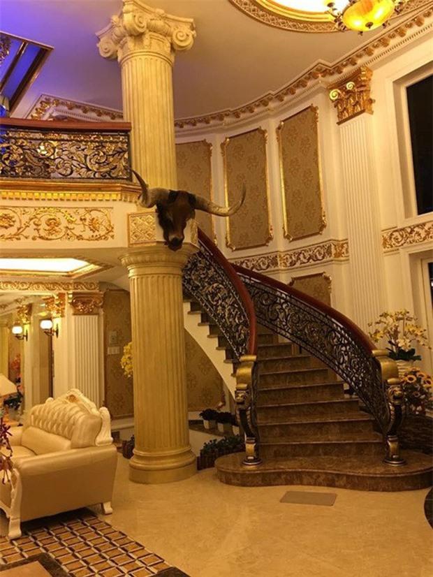 Chiêm ngưỡng lâu đài dát vàng như cung điện của Lý Nhã Kỳ - Ảnh 7
