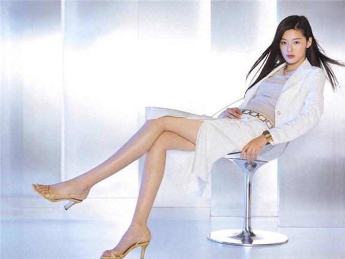 Cô nàng ngổ ngáo Jun Ji Hyun: Ngọc nữ vạn người mê thành con dâu gia tộc tài phiệt Hàn Quốc-16
