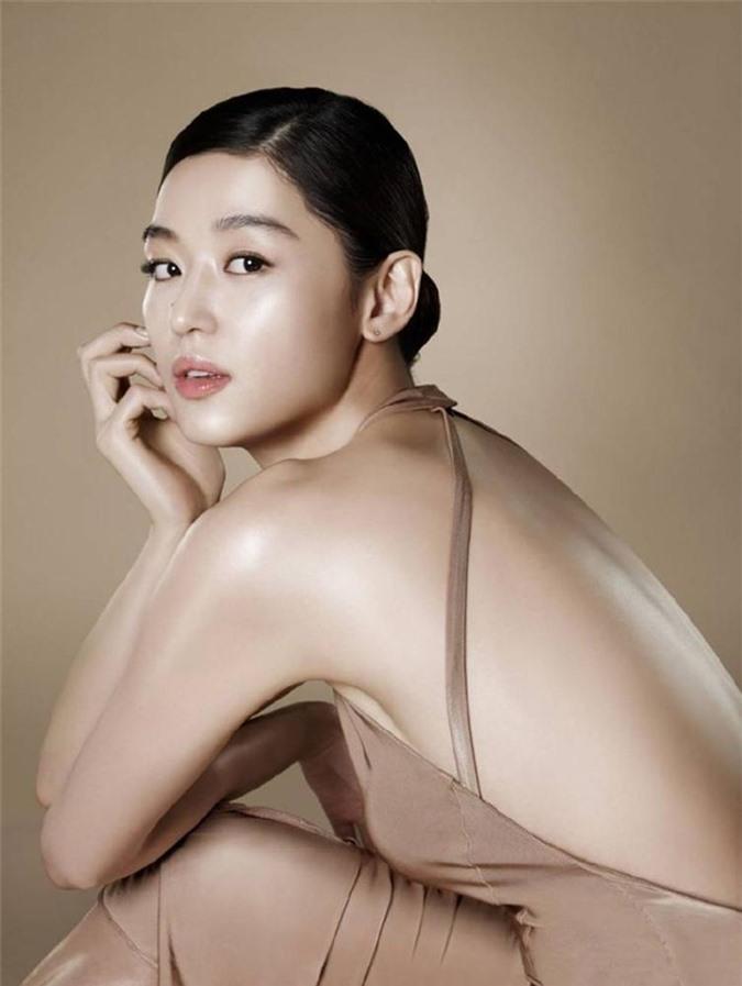 Cô nàng ngổ ngáo Jun Ji Hyun: Ngọc nữ vạn người mê thành con dâu gia tộc tài phiệt Hàn Quốc-17