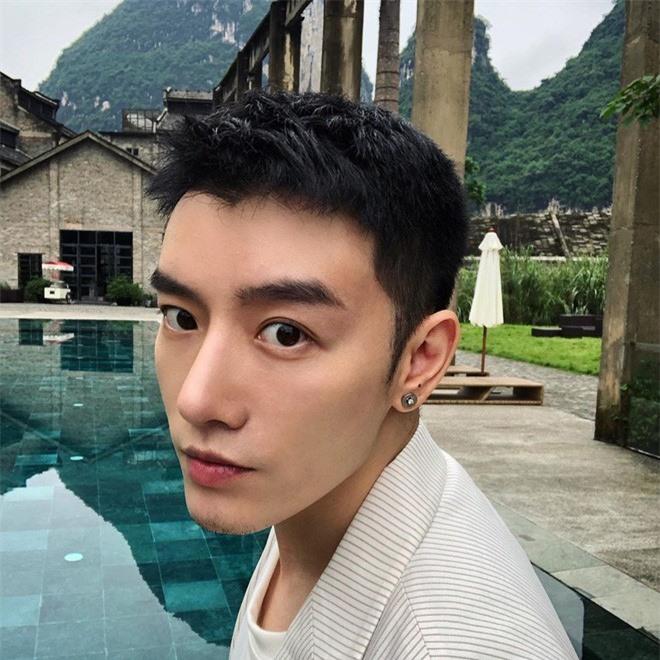 Lo nhan sac that cua hot boy mang, lay anh nguoi khac de di tha thinh-Hinh-2