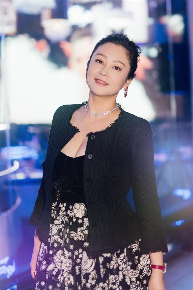 Trần Hồng: Nàng Điêu Thuyền đẹp hơn cả Vương Tổ Hiền, khiến netizen Hàn phải mê mẩn đến mức phong Đệ nhất mỹ nhân Cbiz - Ảnh 23.