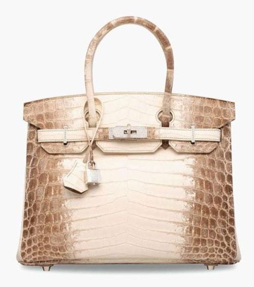 5. Túi xách kim cương Chanel Forever Forever Chanel - Trị giá 261.000 USD.