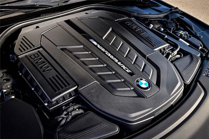 Can canh BMW M760Li xDrive hon 12 ty, dat nhat Viet Nam-Hinh-3