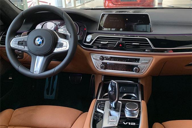 Can canh BMW M760Li xDrive hon 12 ty, dat nhat Viet Nam-Hinh-6