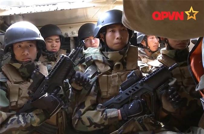 Luc luong Hai quan Danh bo Viet Nam anh hung, tinh nhue the nao?-Hinh-11