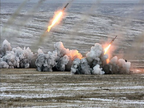 """Nga chuẩn bị đưa vũ khí """"vô nhân đạo"""" - pháo phản lực TOS-1 đến Syria? - Ảnh 2."""