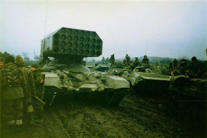 """Nga chuẩn bị đưa vũ khí """"vô nhân đạo"""" - pháo phản lực TOS-1 đến Syria? - Ảnh 4."""