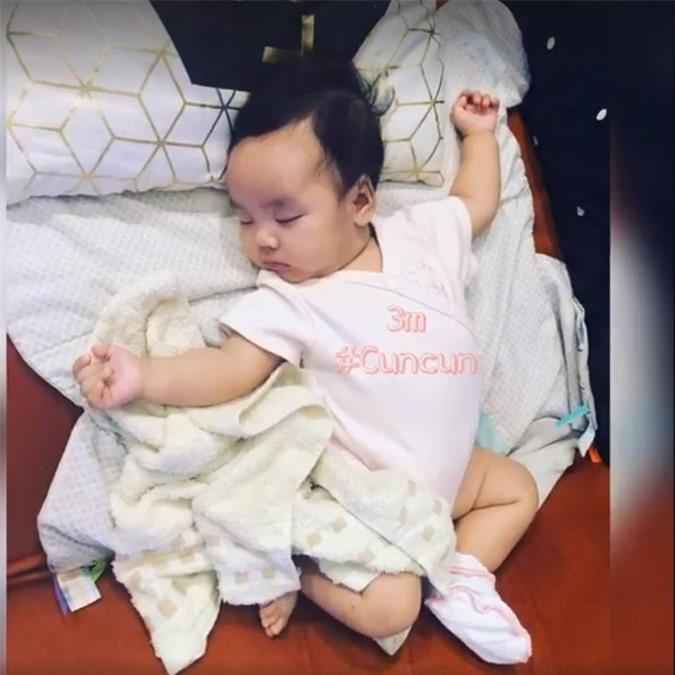 Tan chay voi loat bieu cam cuc dang yeu cua con gai Hoai Lam - Bao Ngoc-Hinh-10